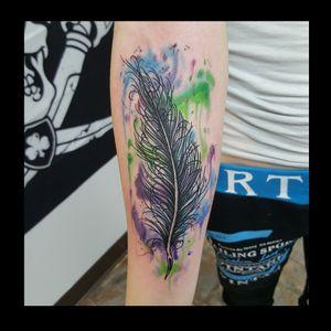 #watercolortattoo #feather #tattoosforwomen #fusionink #griffentubes #unionmachine #eikondevice #hydraneedles #neotat #customtattosbillingsmontana #customtattosbillingsmontana #paint #inkedgirl #