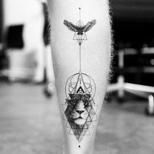 By Balazs Bercsenyi #balazsbercsenyi #geometric #lion #eagle