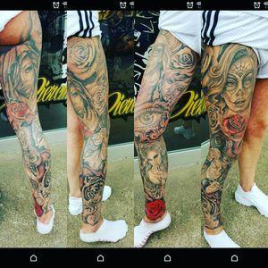 #thightattoos #legsleeves #blackandgrey #portrait #thightattoos #legsleeves #roses #tattoomagazine #girlswithtattoosdoitbetter