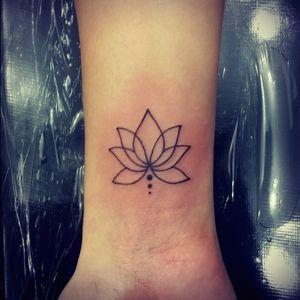 #lotus #linework #lotusflower #feminine