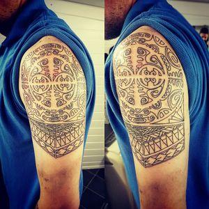 #outline #linework #polynesian #halfsleeve #tat #tattoo #tattooed #tattooartist #tatt #uk #england #nopain #nogain #likemypic #instattoo