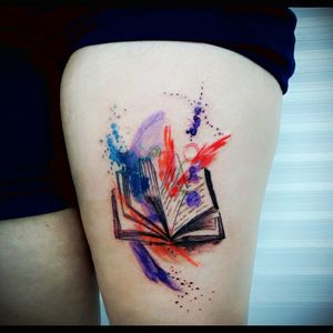 For people that love reading #books #watercolor #reading