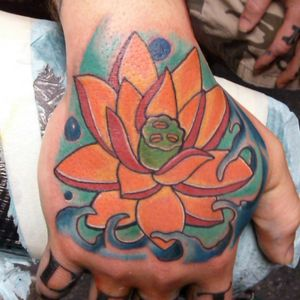 lotus #hand #handtattoo #asian #asiantattoo #lotus #color #hixsontn #sickboys #sickboysink #natecameron