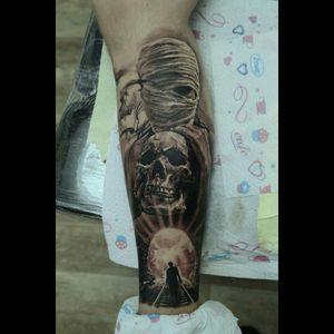 #blackandgrey #mummytattoo #scull #moon #moontattoo #silhouette #storytelling #brasil #ink #blackandgreytattoo #horror