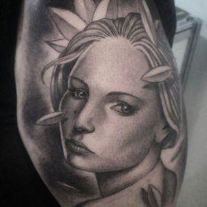 #tattoodo #tattoolife #electricink #inkedlife #woman