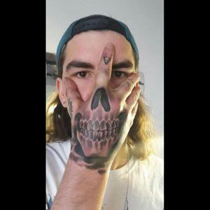 #hand #handpiece #handtattoo #skull #skulltattoo