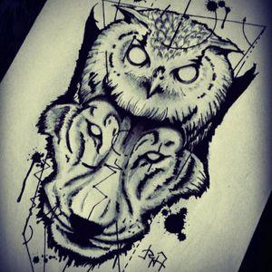 Arte exclusiva resultado do estudo baseado na arte de #alfredao #blackwork #coruja #owl #lobo #wolf #kochab #robsonandretattoo