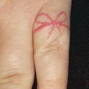 #redstringoffate #fingertattoo