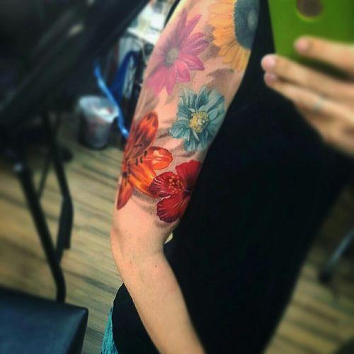 Sleeve in progress by brazilian artist @Dallier  #AlexandreDallier #dallier #flores #flowers #realistic #realismo