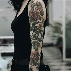 Would love a similar style forearm full of lilies and Hawaiian flowers for my mom and grandma. #megandreamtattoo