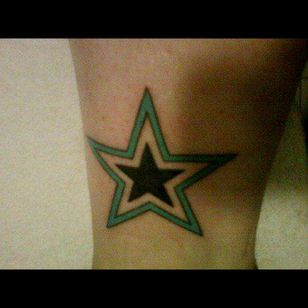 This star is for my grandmother who past away a few years ago. Done at @dragontattooeindhoven