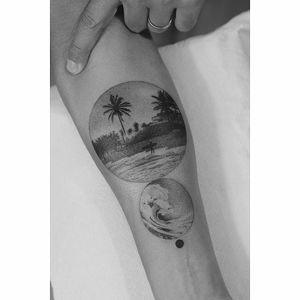 By #Fillipepacheco #surf #wave #beach #palmtree #blackwork #dotwork #circle