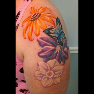 Second session finished. #flowers #floral #markofcain #butterfly #butterflytattoo #tattoo #CoverUpTattoos #flowertattoo #freehandtattoo #freehand