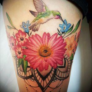 Hummingbird, flowers and mandala ♡ #hummingbird #dangles #watercolor #mandala #ornate