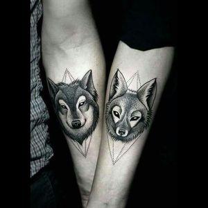 #blackdotwork #wolves #partnertattoos #animalhead #blacktattoo