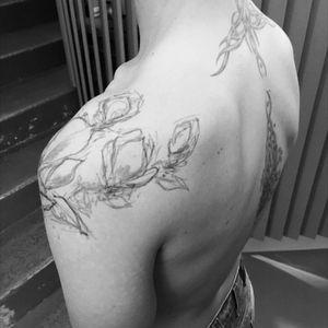 #Magnolia #magnoliatattoo #mantattoo  #collarbone #shoulder