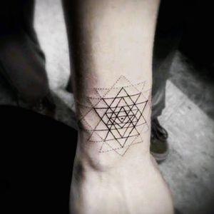 #megandreamtattoo #lovetattoos #triangles #loveNY