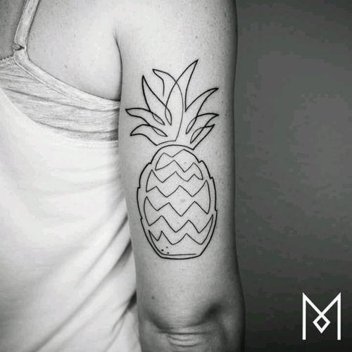 #fruit  #ananas #moganji #blackwock #justlines Simplicity.