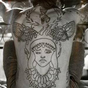 Full back un progresa really to excited for show results #fullback #overfear #masterpiece #gypsi #mothtattoos #tattoos #tattoowomens #Mila.mantilla