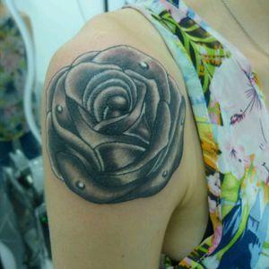 #tattoos #ink #inkgirl #rose #follow4follow #like4like #picoftheday