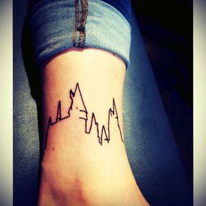 #harry #harrypotter #skyline #castle #wizard #line #lineart #simple #sketch #wizard #magic