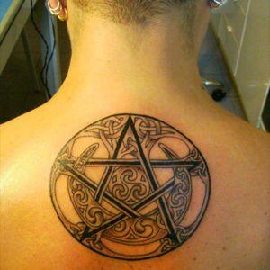#pentacles #pentagramtattoo #pentacolo #pagantattoo #paganpride #pentagram #pentagrams #celticmoon #celticpentagram #celticpentacle
