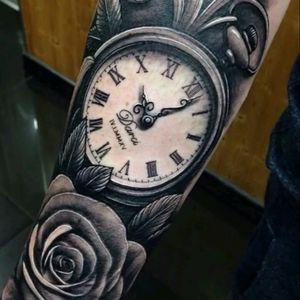 #Clockandroses #time #old #realistic #blackAndWhite #like4like