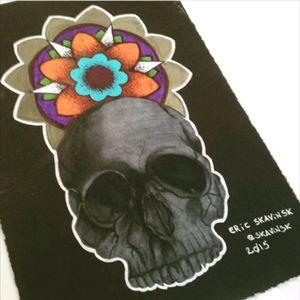 Instagram: @skavinsk #ericskavinsktattoo #studytattoo #tattooartist #tattoosketch #skulltattoo #mandalatattoo #colortattoo #dotworktattoo #realisttattoos #realismtattoo #tattoo2me #instaink #instatattoo #namps #eletricink #artfusion #tattoodo