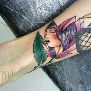 Projeto decidido 😃 Encaixe de flores ... #love #Tattoodo  #ink #inkedgirls #ink_and_coffee #ink2016 #ink4life  #ink4mysoul #tattoo #tattoo_art_worldwide  #rosetatto #flowertatto #tats #tat2 #tatto2me