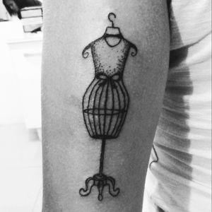 #dotwork #fashion #blackwork #arm_tattoo