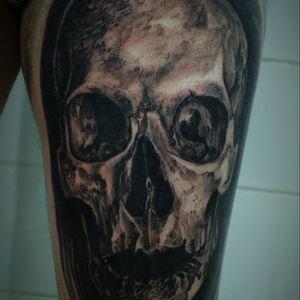 #Skull #skulltattoo #bng #bngtattoo #bngsociety #tattooskull #craneo #blacktattooart