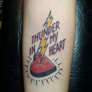Simple #traditional_tattoos #traditionaltattoo #tattoo #classictattoo #oldschooltattoo #heart #thunder #tradi #blacklivesmatter #cleansolidtattoo #sebasciurca