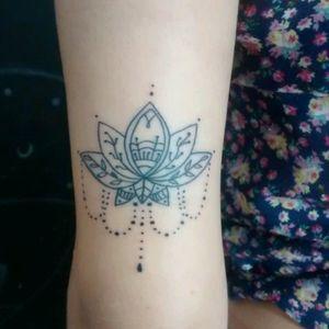 Lótus #lotusflower #tattoo_artwork #tattoofemale #tattoo_of_the_day #delicatetattoo #femaleartist #femaletattoo #inked