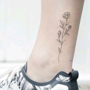 By #HannahNovaDudley #flower #floral #linework #minimalist #simple