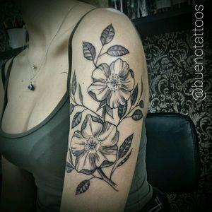 #fineline #blackworker #dotwork #tattooblack #blackandgrey #tattooflor #tattooflower #tattoofloral
