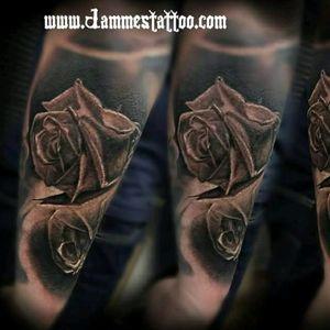 #rose  #reflection #tattoo #inkaddict ink#tattoomagazine tattoo Mag a #Tattoodo tattoodo#TattooColection #realistic realistic#realisticrose  by @jammestattoo