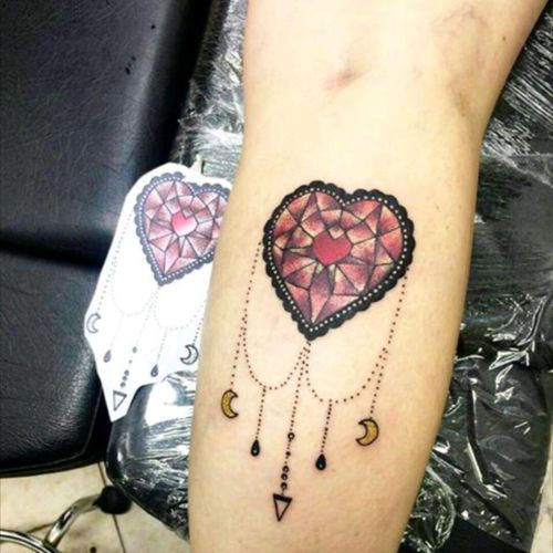 Instagram: @skavinsk #ericskavinsktattoo #hearttattoo #tattoocoracao #girltattoo #tatuagemfemininas #dotworktattoo #tattoopontilhismo #exclusivo #namps #saopauloink #tattoosp #osascotattoo #tguest  #tattsketches #artfusionstarter #eletricink #tattoodo