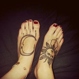 #sunandmoon #sun #moon #foot #inlove #summer #nights #hapiness