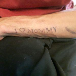 I ❤ mommy tattoo half done :) #stickandpoke #addictedtoink #art #love #Mommy