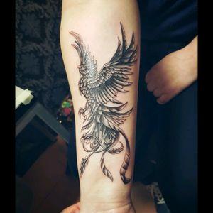 Phönix #tattoo #ink #arm #tat #farbspektakel #studio #black #gray #feather #phönix #ausderasche #bird #ayaygee