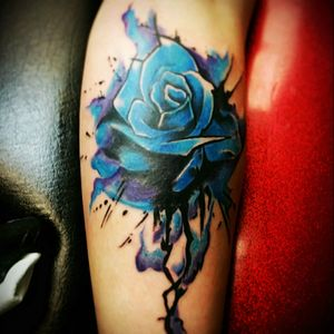 Watercolor rose i had fun doing and also won me a couple of awards with this tattoo, thanks for looking!! #JOEYV #INKfested #INKfestedtattoostudio #watercolortattoo #watercolorrosetattoo #fusioninks #stencilstuff #armorgel