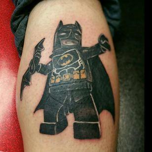 Lego batman i had fun doing on a fellow artist #robertB , thanks for looking! #JOEYV #INKfested #INKfestedtattoostudio #legotattoos #legobatmantattoo #fusioninks #stencilstuff #armorgel