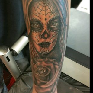 Day of the dead i had the chance to tattoo at the inkmasters tattoo expo in lubbock tx, thanks for looking! #JOEYV #INKfested #INKfestedtattoostudio #blackandgreytatoo #dayofthedead #dayofthedeadtattoos #fusioninks #stencilstuff #armorgel #inkmasterstattooexpolubbocktx #lubbocktx