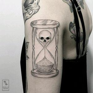 By #marlamoon #hourglass #sandtimer #skull #blackwork #linework #skulltattoo
