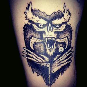 #danielrepelente #tattoo_artist #tattoo #creature #monster #smile #black #fang #osrepelentes #happyface