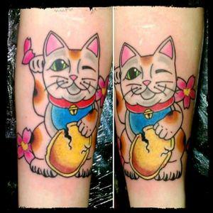 Maneki Neko love #miguelrowe #tattoosociety #newfoundland #ManekiNeko