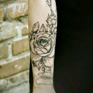 #Roses #blackRoses #womentattoo #armTattoo
