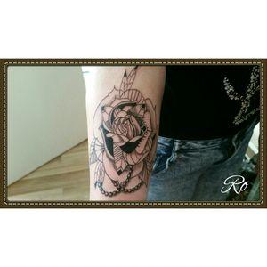Flower dotwork copycat🙄 on request #dotwork #flower #tattoo #cheyennehawk #stigmarotary #inkeezegreenglide #Criticalpowersupply #silverbackink #stencilstuff #spiritstencil  #killerinktattoosupplies
