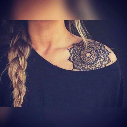 #shoulder #woman #mujer #mandala #Clavicle #clavicletattoo #clavícula #claviculas #mujeres #shoulde