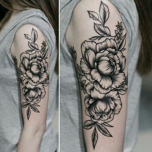 Almost 5h for this #peonies. Thx! #blxckink #ink #inked #inkedup #tattedup #tattoos #tatuaze #tatuaz #tattoed #lublin #blackart #onlyblack #blackworkerssubmission #blackartist #blacktattoos #onlyblacktattoos #blacktattooart #linework #btattooing #tattrx #girswithtattoos #occultarcana #peony #piwonia #flower #kwiaty #flowers Check fb.com/mikitatz for more!